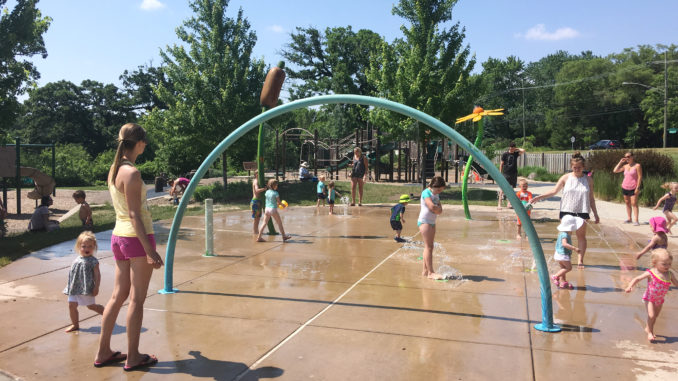 Veteran Acres Splash Pad, Crystal Lake