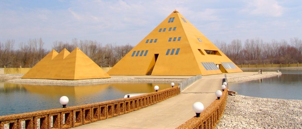 Pyramid House, Wadsworth
